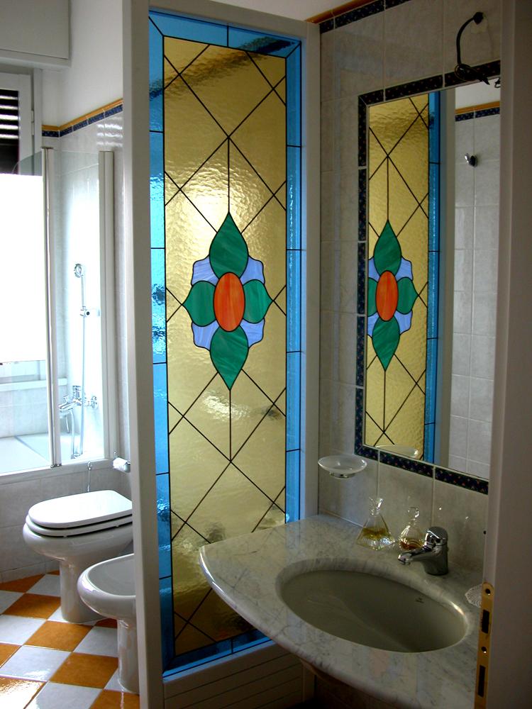 Divisori artistici tiffany vetrate artistiche milano - Porte in vetro per bagno ...